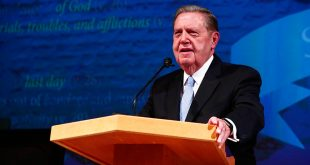 Elder Holland Speaks at Book of Mormon Chiasmus Conference