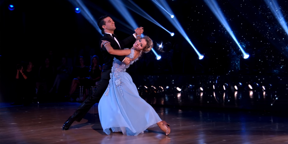 """Lindsey Stirling Dances Dreamy Foxtrot to """"When You Wish Upon a Star"""" on Dancing with the Stars"""
