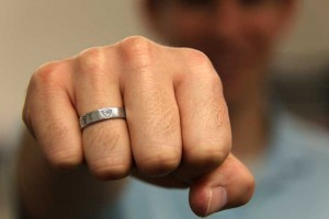 hand-ctr-ring