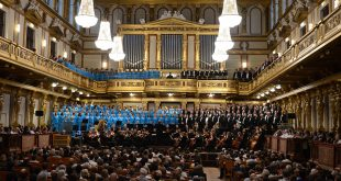 Mormon Tabernacle Choir Sings to Enthusiastic Audiences in Europe