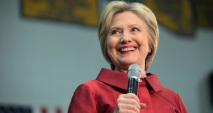 Hillary Clinton Speaks Directly to Mormon Voters About Religious Freedom, Constitution