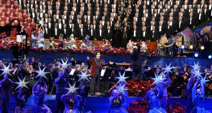 Mormon Tabernacle Choir Performs Annual Christmas Concert
