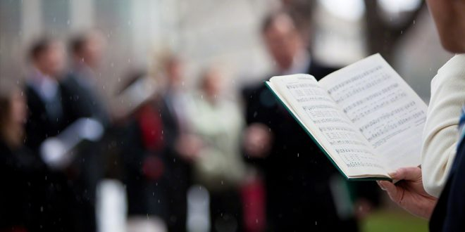 5 Beautiful Hymns We Rarely Sing, But Totally Should