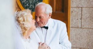 Adorable LDS Couple Recreates Wedding Photos on 50th Anniversary