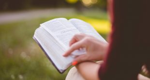 How Busy Moms Can Read Their Scriptures