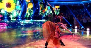 Watch Lindsey Stirling's Fun & Fantastical Quickstep