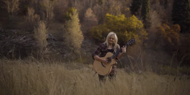 "Watch Warm, Folksy Rendition of ""Israel, Israel God is Calling"""
