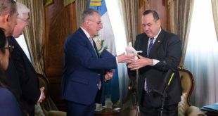 Elder Soares Begins Central America Ministry, Meets Guatemala's President