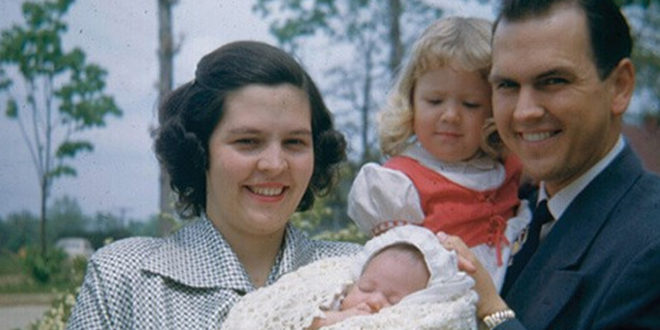 Church Leaders Celebrate 'Our Heavenly Parents' Adult Daughters' on Mother's Day